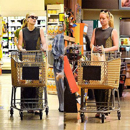 Iggy Azalea grocery shopping in Los Angeles