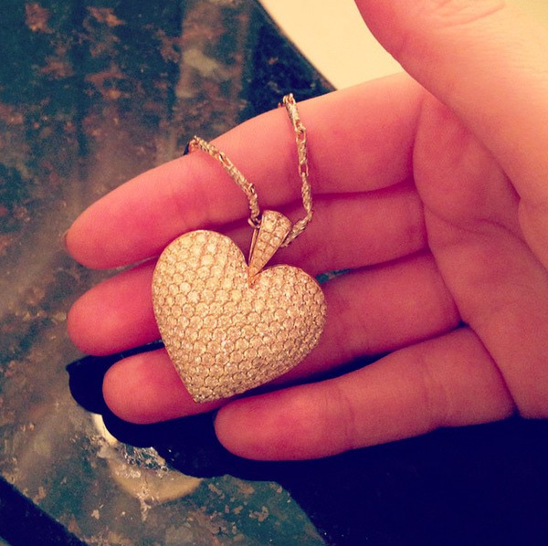 Diamond heart-shaped necklace Iggy Azalea got from Nick Young